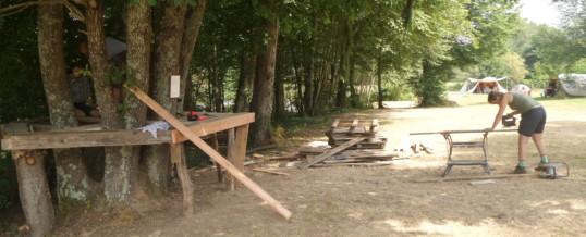 Speelboomhut in aanbouw