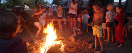 Kampvuur op camping VueduLac