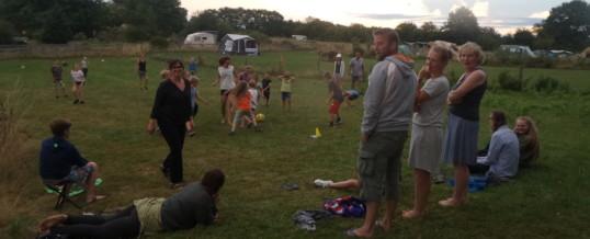 voetbal op de camping